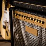 Pasangan dari gitar listrik tentunya amplifier. Maka, meski gitar listrik Anda berkualitas tinggi, namun tanpa amplifier yang tepat maka akan kurang detail suaranya. Oleh karena itu, tunjang penampilan atau latihan Anda dengan amplifier terbaik berikut ini.
