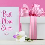Mom Deserves the Best, So Why Look Elsewhere When We Have the 10 Best Mother's Day Gifts Right Here. Also Read Our Heart Warming Ideas on How to Pamper Her Through the Day (2019)