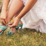 Saat pergi ke kondangan, kamu harus tampil sempurna. Salah satu yang bisa membuat penampilanmu semakin oke adalah dengan memilih sandal yang sesuai dengan gayamu namun tetap nyaman dipakai. Coba lihat rekomendasi dalam artikel ini, salah satunya mungkin sesuai dengan seleramu.
