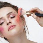 Para wanita pasti sudah tidak asing lagi dengan produk satu ini. Blush on adalah alat make up yang bisa membuat wajah tampak segar dan merona. Ingin tahu blush on terbaik yang sesuai untuk kulit wajahmu? Yuk cek rekomendasi BP-Guide berikut ini.