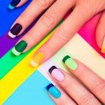 Kamu suka menghias kuku dengan nail art? Gak ada salahnya nih nail art sendiri di rumah. Berikut BP-Guide rekomendasikan tutorial sederhana yang juga bisa dilakukan oleh pemula. Simak juga liputan alasan wanita suka menghias kuku dengan nail art.