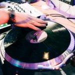 Ingin Berkarier Jadi DJ? Ini Dia 10 Rekomendasi Alat DJ untuk Pemula dan Tips buatmu (2019)