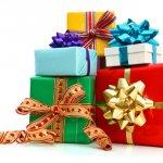 Hari Natal biasanya dilewati dengan serangkaian kegiatan yang dimaksimalkan. Mulai dari acara makan malam hingga memberi hadiah dapat menjadi momen yang memorable. Untuk membuat hari Natal lebih berkesan, tidak ada salahnya memberikan hadiah untuk wanita tersayang seperti dalam referensi berikut ini.