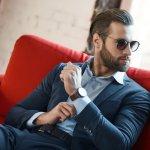 Penampilan pria semakin keren saat mengenakan jam tangan. Keaslian jam tangan meningkatkan citra yang ditampilkan para pria, lho. Sedang mencari jam tangan original untuk pria? Yuk, intip dulu berbagai rekomendasinya bersama BP-Guide!