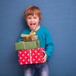 Memiliki anak laki-laki membuat kita harus lebih ekstra menjaganya. Anak laki-laki punya tenaga ekstra dan lebih aktif di tiap usianya. Sebagai orangtua, kita harus lebih sigap menyikapi keaktifan anak. Di usia 5 tahun, ia tentu bisa diajarkan banyak hal. Simak apa saja yang bisa Anda ajarkan padanya! Dengan begini, diharapkan pertumbuhan anak jadi lebih maksimal.
