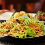 Kamu suka makan mie? JIka iya, kamu tentu harus coba varian mie goreng Aceh yang rasanya nikmat dan menggoda selera. Kamu bisa coba memasaknya sendiri, atau kalau tak ingin repot, beli saja di beberapa kedai makan mie Aceh rekomendasi BP-Guide berikut!