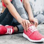 Sepatu sport memang dibuat untuk aktivitas olahraga. Tapi, berkat sentuhan desain yang mumpuni dari Nike, sepatu sport juga bisa dijadikan teman jalan-jalan. Anda yang doyan tampil sporty pasti tak akan melewatkan untuk selalu memakai sepatu ini.