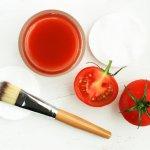 Tomat merupakan buah yang mudah didapatkan di sekitar kita. Buah yang satu ini kaya akan manfaat bagi kesehatan. Selain itu, tomat juga bisa dimanfaatkan sebagai masker wajah. Kamu bisa kombinasikan dengan aneka bahan alami lainnya untuk membuat masker alami yang menyehatkan wajah. Simak aneka resepnya dari kami!