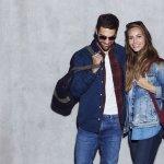 Buat kamu para fashionista baik pria maupun wanita, tentunya tak akan melewati jaket berbahan denim yang tak lekang oleh waktu ini. Saking banyak model-model jaket jeans ini maka kamu akan dibuat kebingungan bagaimana memilihnya. Nah BP-Guide akan memberikan tips memilih jaket jeans beserta rekomendasi model jaket untuk pria maupun wanita.