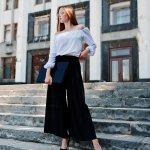 Celana kulot akhir-akhir ini sering menjadi pilihan banyak wanita. Dalam artikel kali ini, BP-Guide akan membagikan inspirasi padu padan celana kulot dengan atasan dan aksesori. Beberapa produk celana kulot cantik juga bisa Anda pertimbangkan untuk dikoleksi. Simak, yah.