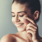 This article brings to you a list of recommended face creams you can use to take care of your uneven skin tone. We have also added some tips and tricks for you to understand why these problems occur and what you can do to stop them. Read on!
