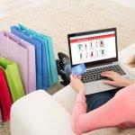 Semakin majunya teknologi tentu saja semakin memudahkan kita sebagai pengguna teknologi mendapat segudang manfaat. Salah satunya adalah berbelanja online yang membuat kita dapat menghemat waktu, energi, dan juga   biaya. Nah, fashion item menjadi bisnis yang paling laris di jagat e-commerce. Apa kamu berniat membuka bisnis fashion di situs online? Simak tips-nya di sini ya!
