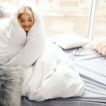 The winter season is now in full swing. What better way to enjoy the chilly season than to be wrapped in a warm and cosy blanket? Blankets are not only meant to keep you warm but they should be comfortable as well. If you are wondering which are the best winter blankets available in India, we have curated this list of the top blankets specially for you, along with the pros and cons analysis of each blanket.