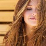 Rambut menjadi bagian dari tubuh yang perawatannya tidak boleh terabaikan. Penggunaan sampo untuk merawat rambut pun harus diperhatikan kandungannya. Sudahkah kamu mengenali bahan-bahan yang terdapat dalam sampomu? Nah, kali ini BP-Guide akan membahas sampo dengan kandungan tanpa sulfat. Kira-kira gimana, ya? Langsung simak ulasannya, deh.