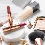 L'Oreal, merek produk kecantikan asal Perancis ini punya banyak produk makeup yang berkualitas dan pastinya selalu diincar para wanita. Mau tahu rekomendasi makeup L'Oreal terbaik pilihan BP-Guide? Simak ulasannya berikut ini!