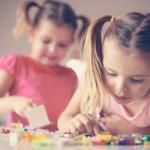 Mendidik anak memang tidak mudah dan membutuhkan cara yang kreatif, misalnya dengan memberinya permainan edukatif. Jika memiliki anak perempuan, Anda bisa menawarkan beragam permainan edukatif dan menyenangkan untuknya.