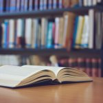 Menjelang akhir tahun, saatnya membahas novel terbaik di sepanjang 2020 ini. Buat kamu yang suka membaca buku pasti sudah tidak sabar lagi ingin menambah koleksi bacaan untuk menghabiskan penghujung tahun. Yuk, simak rekomendasinya dalam artikel BP-Guide berikut ini!
