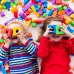 Anak tentunya sangat lekat dengan yang namanya mainan. Tak hanya sekadar untuk menyenangkan hati si kecil, mainan ternyata dapat meningkatkan berbagai aspek tumbuh kembangnya. Kenali yuk berbagai manfaat yang bisa didapatkan dengan memberikan si kecil mainan dan dapatkan juga rekomendasi mainan dari BP Guide berikut.
