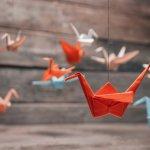 Membuat origami tentunya melatih ketelitian, imajinasi, dan daya kreatif Anda. Jadinya, dengan melatih membuat origami, Anda menjadi lebih kreatif dan imajinatif. Nah, ingin membuat origami yang unik? Simak tutorial BP-Guide berikut ini.