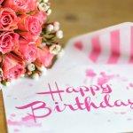 誕生日には、夫婦の絆を強める素敵なメッセージを贈りましょう。今回は、奥さんに喜んでもらえる誕生日メッセージの書き方や役立つ文例をご紹介します!どんな内容のメッセージを受け取ったら嬉しいかなどのポイントを参考にして、ぐっとくるオリジナルのメッセージを書いてくださいね。