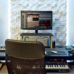 Pekerja seni yang berkecimpung di dunia musik, rekaman, dan penciptaan lagu tentu tidak asing dengan monitor speaker. Dengan memproses musik melalui monitor speaker, suara yang dihasilkan akan lebih jernih dan kuat. Berikut simak rekomendasi merek speaker monitor terbaik untukmu dari BP-Guide.