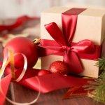 ハンカチはデザインが豊富で実用性も高いことから、女性へのクリスマスプレゼントによく選ばれています。今回は、彼女へのクリスマスプレゼントに人気のハンカチについて、ベストプレゼント編集部がwebアンケートなどを元に調査しました。おすすめの人気ブランドをランキング形式で紹介していますので、解説の内容を参考にプレゼントを探してください。