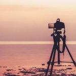 Kamu yang hobi fotografi atau bekerja sebagai fotografer pasti ingin mendapatkan hasil foto yang keren dan maksimal bukan? Melalui artikel ini, BP-Guide akan memberikan rekomendasi aksesori kamera yang bisa kamu miliki agar hasil fotomu semakin oke.