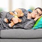 Tak hanya wanita, pria dewasa juga butuh pakaian yang nyaman untuk mendapatkan tidur berkualitas. Berikut BP-Guide berikan beberapa tips memilih baju tidur yang tepat untuk pria beserta rekomendasinya. Simak secara lengkap ya, supaya baju tidur yang kamu beli bisa membuat tidurmu makin nyaman!