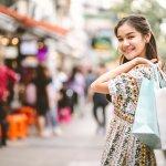 Sekarang ini fashion Bangkok tidak kalah populer dibandingkan fashion Korea dan Jepang, loh! Kalau bosan dengan fashion ala Korea, kamu bisa cek rekomendasi fashion ala Bangkok yang keren dari BP-Guide!