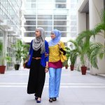 Baju muslim adalah fashion trend yang tak boleh Anda lewatkan khususnya saat menghadiri acara keagamaan atau merayakan hari raya. Supaya tampil maksimal, Anda bisa simak tips memilih baju muslim trendi dan koleksi baju pilihan BP-Guide berikut ini!