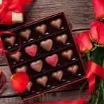Hari Valentine identik dengan tradisi untuk memberi cokelat kepada orang terkasih, biasanya akan diberikan kepada pasangan masing-masing, keluarga atau sahabat terdekat. Cokelat bahkan telah menjadi ikon dari Hari Kasih Sayang tersebut.