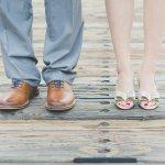 Kamu bisa makin tampil penuh percaya diri dengan sepatu kulit. Baik pria maupun wanita tentu akan sangat elegan kala memakai sepatu kulit. Karenanya, kenali beragam jenis kulit dan juga rekomendasi sepatu kulit terbaik 2020 dari kami!