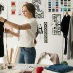 Thời trang may là những bộ quần áo được sản xuất với số lượng ít, thường có thiết kế độc đáo và cá tính, khác xa với những sản phẩm thời trang công nghiệp đại trà. Mỗi sản phẩm thời trang may đều được người thợ chăm chút tỉ mỉ từng đường kim mũi chi, mang lại vẻ đẹp tinh tế và đẳng cấp, giúp các chị em thể hiện gu thời trang của mình. Hãy cùng Bp-guide tham khảo ngay 10 sản phẩm thời trang may nữ được ưa chuộng nhất dưới đây để dễ dàng lựa chọn được cho mình một bộ cánh ưng ý nhé!