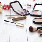 この記事では、30代の女性が注目している化粧品ブランドを、【2020年最新版】として、ランキング形式でご紹介します。30代の女性にとって化粧品に求めるものは、肌を美しく見せてくれる効果があるものや、アンチエイジングに期待できるものなどです。20代の時とは選び方の基準が変化しているからこそ、30代女性に化粧品をプレゼントするときには注意が必要です。ぜひ参考にしてください。