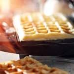 Camilan waffle yang bisa dikreasikan dengan aneka rasa dan bahan-bahan menjadi favorit banyak kalangan. Sayangnya, kalau selalu membeli waffle di tempat lain, ada saja yang tidak puas. Nah, kalau punya mesin waffle sendiri bisa berkreasi suka-suka, dong? Yuk, lirik rekomendasi mesin waffle di bawah ini!