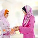 Batik adalah baju nasional yang membanggakan jika dipakai oleh para wanita dewasa. Pula untuk Anda yang kaum muslimah, atasan batik muslim sudah pasti anggun menemani hari-hari Anda. Karenanya, berikut BP-Guide siapkan trend model batik muslim terbaru 2017.