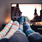 Televisi bisa jadi sarana hiburan yang murah meriah di rumah. Anda dan pasangan tentu tidak ingin melewatkan waktu berkualitas untuk menonton TV bersama. Karena itu, pilih TV dengan tepat. Simak tips memilih TV berkualitas dari kami. Jangan lupa, kami juga menyediakan rekomendasi TV Polytron yang keren dengan harga terjangkau untuk Anda!