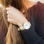 腕時計は、ただ時間を知るためだけのアイテムではなく、アクセサリーの一部と考える女子大学生が多いです。今回は、編集部がwebアンケート調査で得た情報を元に、おすすめのレディース腕時計ブランドをランキング化してご紹介します。トレンド情報を参考に、自分のスタイルに合うお気に入りのブランドを見つけてください。