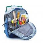 Jangan pernah menganggap penting peran sebuah tas sekolah. Tak hanya menjadi alat untuk membawa peralatan belajar, tas sekolah yang keren dan nyaman juga akan membuat mereka lebih semangat berangkat ke sekolah.