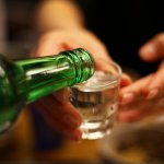 Pernah Coba Minuman Soju? Begini Lho 11 Cara Orang Korea Menikmati Minuman Soju