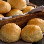 Selama di Rumah Aja, Masak Roti Enak untuk Camilan Keluarga, yuk? Ini 10 Resep Mudahnya!