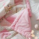 Tidur memakai selimut memang sangat nyaman. Apalagi jika cuaca sedang sangat dingin. Suhu tubuh kita bisa jadi lebih stabil saat memakai selimut dan bikin kita jadi lebih cepat ngantuk. Nah, kamu wajib coba punya balmut nih. Produk multifungsi ini hadir dalam aneka pilihan menarik. Kamu bisa cek rekomendasinya dari BP-Guide!