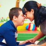 यदि आपका बच्चा ऑटिज़्म से पीड़ित है तो यह लेख उसके लिए बहुत उपयोगी होगा। हमने आपको 10 ऐसी बातें बताई हैं, जो आपको अपने ऑटिज्म पीड़ित बच्चे से जरूर करनी चाहिए ताकि वह जल्द से जल्द ठीक हो सके। इसके साथ ही हमने आपको ऑटिज्म से पीड़ित बच्चो के पालन पोषण के लिए सुझाव भी दिए हैं। अधिक जानने के लिए और पढ़ें।