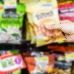 Jika kamu pernah mengunjungi Malaysia pasti ada beberapa snack yang tak bisa lepas dari ingatan saat pulang ke tanah air. Sebagian besar snack-snack tersebut juga bisa ditemukan secara online, lho. Simak daftarnya di bawah ini.