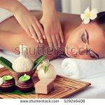 Bali, tempat wisata yang satu ini tak hanya terkenal karena keindahan alamnya tetapi juga karena eksotisme produk perawatan kulit dan aromaterapinya. Kalau ingin mencoba produk aromaterapi Bali yang harum dan bermanfaat, cek tips dan rekomendasinya terlebih dahulu berikut ini!