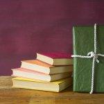 Dunia pendidikan tidak jauh dari buku teks atau ajar. Keberadaan dua jenis buku tersebut menjadi jantung pendidikan untuk menyampaikan alur atau referensi materi. Proses belajar mengajar di sekolah akan lebih terarah dengan adanya buku teks atau ajar.