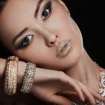 Tak hanya dikenal berani dalam hal fashion, Jepang juga punya deretan merek perhiasan premium yang bakal membuat siapa saja berdecak kagum. Yuk, intip beberapa perhiasan Jepang mewah hasil karya para desainer aksesori ternama berikut ini!