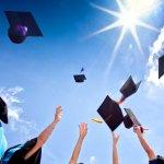 大学の卒業は、大学院などへの進学にしろ、就職にしろ、本人にとっては大きな節目なので、応援の気持ちも込めてお祝いを贈りたいです。そこで、大学の卒業祝いのプレゼントに人気のアイテムを【2019年度 最新版】としてランキング形式にまとめました。大学卒業後は、大学院などに進学する場合と就職する場合のいずれかになることがほとんどですので、それぞれに合ったものを卒業祝いとしてプレゼントするのがおすすめです。 ぜひ参考にご覧ください。