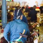Peradaban Jawa termasuk peradaban tua dunia yang masih eksis hingga saat ini dan kita sebagai pemuda Indonesia sepatutnya bangga dengan budaya Jawa dan berusaha untuk melestarikannya. Tim BP-Guide telah meramu berbagai daftar pakaian Jawa yang bisa dikenakan. Selamat membaca!