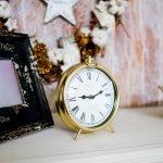 Tidak hanya unik, suvenir juga harus punya nilai guna bagi penerimanya. Salah satu suvenir yang bermanfaat adalah jam meja. Setiap orang pasti membutuhkan jam untuk melihat waktu. BP-Guide akan memberikan rekomendasi suvenir jam meja untukmu.